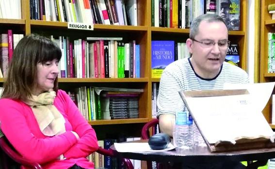 José Manuel Ramón y Ada Soriano en la presentacion del libro.