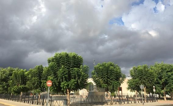 activa redovan nubarrones nubes gota fria